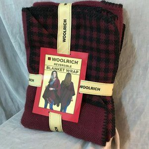 Woolrich Womens Red Black Reversible Blanket Warp